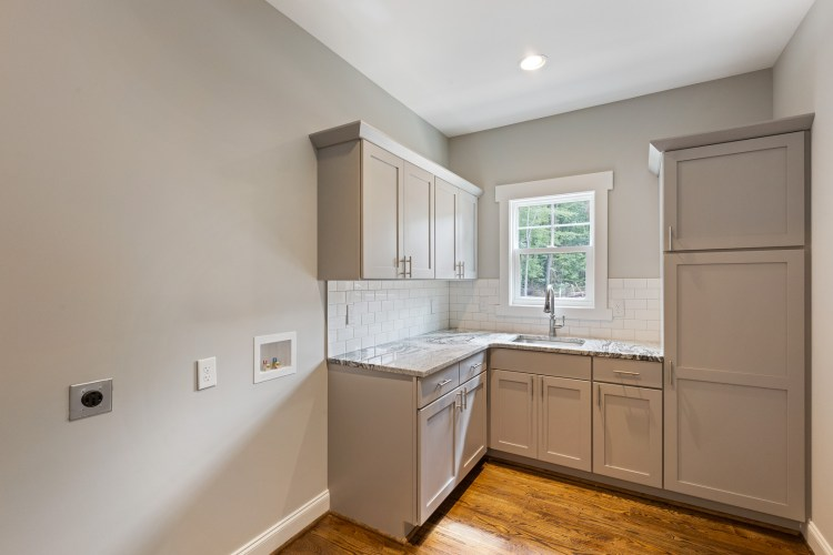 Walk-in laundry Room and pantry at Balsom 1