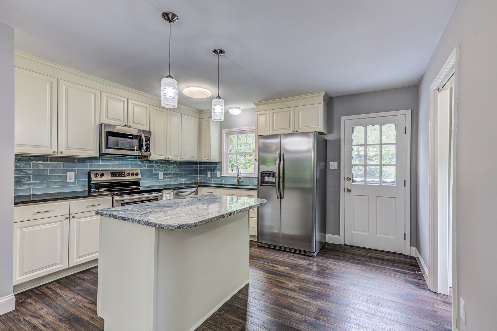 Open kitchen in Ardmore, Winston-Salem