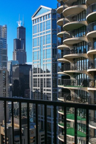 Chicago skyscrapers from the Marina City apartments | LotsaSmiles Photography