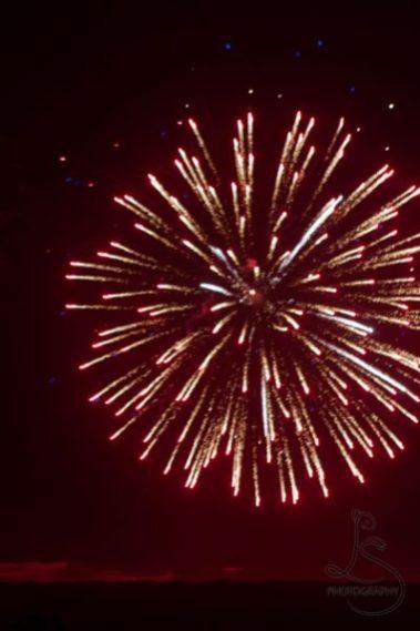 Red fireworks   LotsaSmiles Photograhy