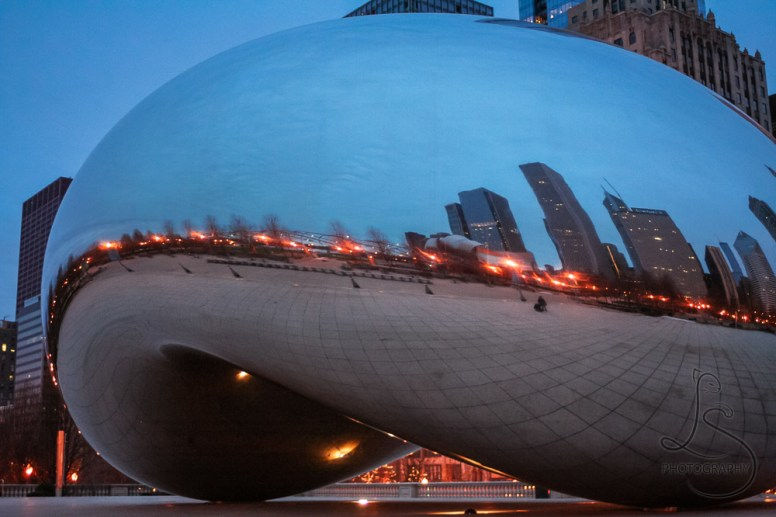 Chicago's Bean on a cloudy morning | LotsaSmiles Photography