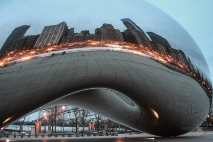 Chicago's Bean, reflecting the city's skyline | LotsaSmiles Photography