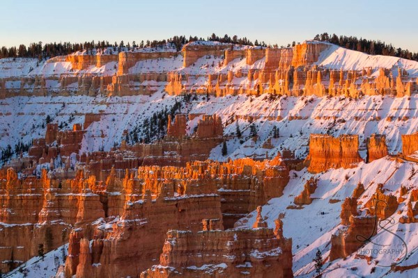 Detail shot of the Bryce hoodoos, just being illuminated by the sunrise rays | LotsaSmiles Photography