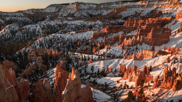 Snowy Bryce Canyon at sunrise | LotsaSmiles Photography