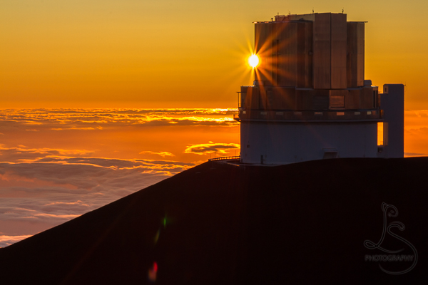 A sunstar at the edge of the observatory atop Hawaii's Mauna Kea | LotsaSmiles Photography