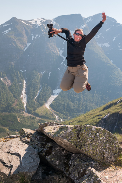 Me jumping at Gaularfjellet in Norway | LotsaSmiles Photography