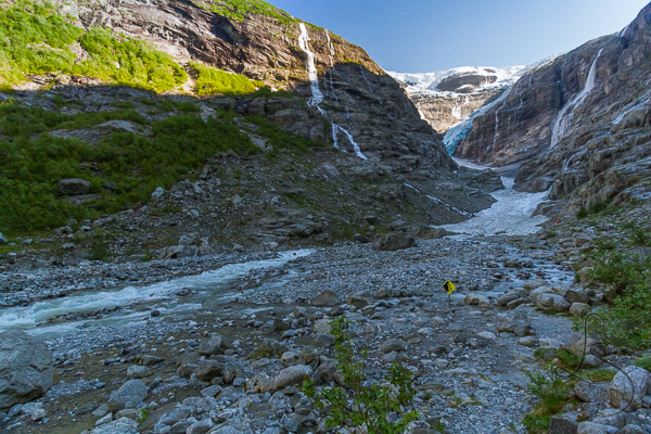 Kjenndalen from the end of the official trail, with nothing but rocks and ice ahead | LotsaSmiles Photography