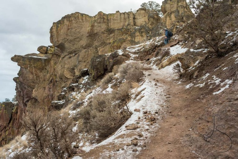 The icy patch on the Misery Ridge trail at Smith Rock   LotsaSmiles Photography