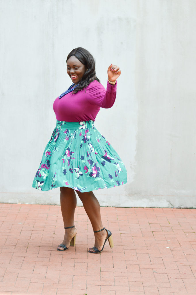How to Wear a Midi Skirt in the Fall