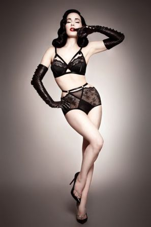 lottie_lamour_other_women_are_not_the_enemy_plus_size_blogger