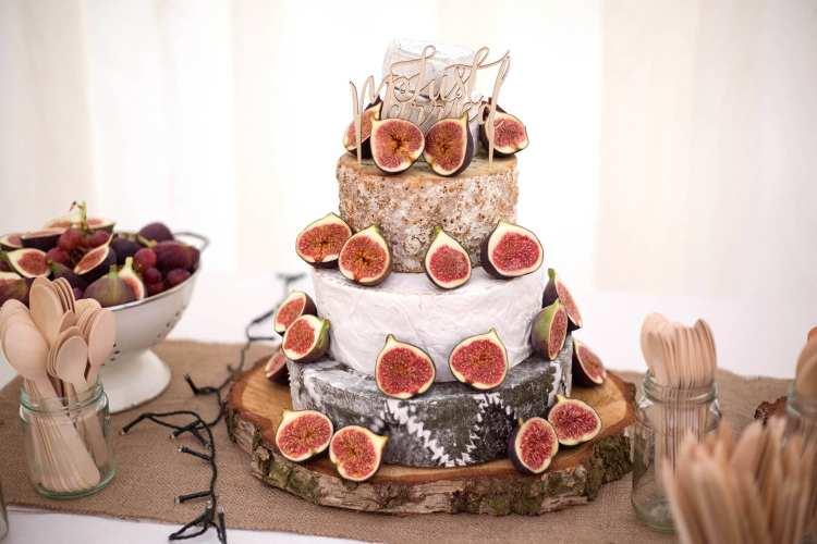 bohemian style wedding cake