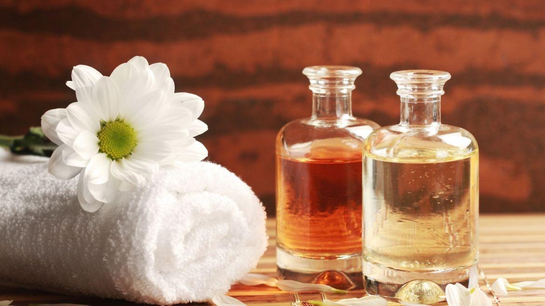 Massage aux huiles essentielles : Comment réaliser votre huile ?
