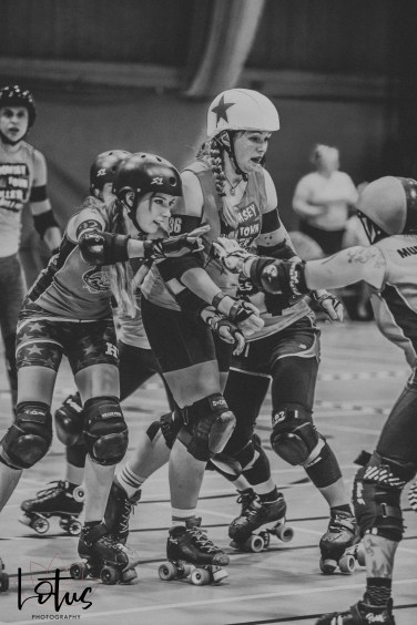 Lotus Phtotography Bournemouth Dorset Roller Girls Roller Derby Sport Photography 19-2