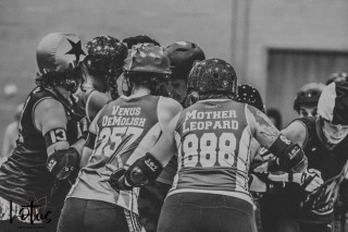 Lotus Phtotography Bournemouth Dorset Roller Girls Roller Derby Sport Photography 237-2