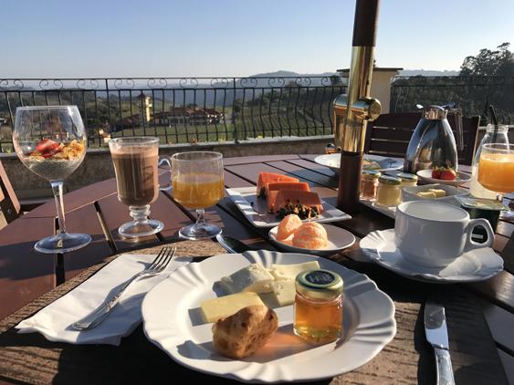 café da manhã ao ar livre