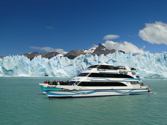 Passeio de barco pelos glaciares