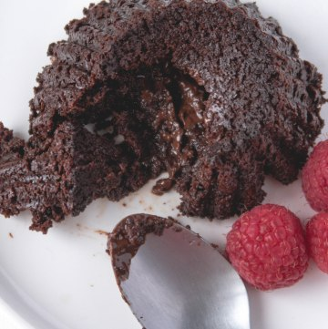 How to Make cannabis-infused Vegan Chocolate Molten Lava Cake - The Loud Bowl
