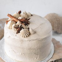 vegan chai cake with whole spices as decoration