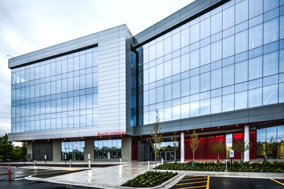 daytime image of Chicago's United Center Offices as photographed for a digital marketing campaign by Loudbyte
