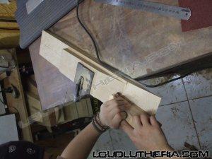 Charvel Van Halen replica feita a mão.