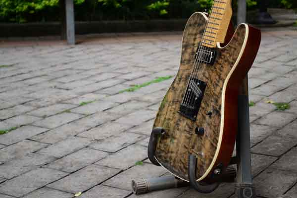 Guitarra custom Loud Luthieria