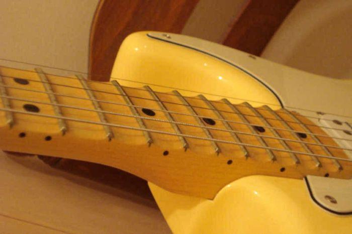 fender-yngwie-malmsteen-stratocaster-vintage-white-maple-8448