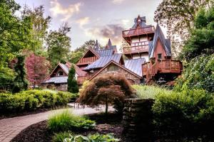 The Castle's Cajun Cookout @ Landoll's Mohican Castle