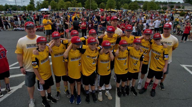 Loudoun South Little Leaguers Honored with Parade