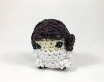PDF Crochet Princess Leia Amigurumi Pattern - Star Wars tribute ... | 270x340