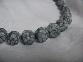 Louise.h bijoux collier noir blanc