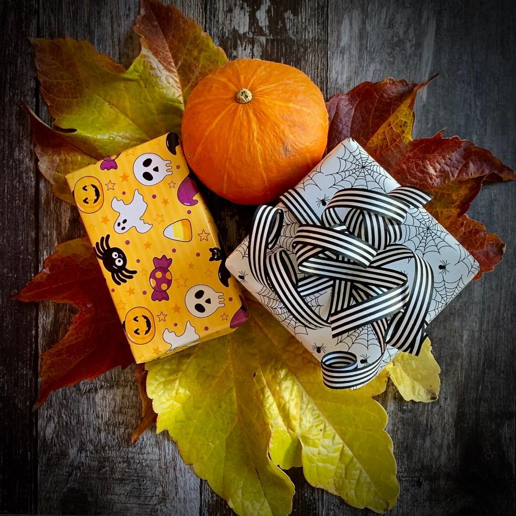 Halloween Giftwrapping