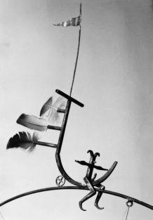 Flieger (Detail) | 1992, Kupfer/Messing/Federn | 94 x 60 x 13 cm
