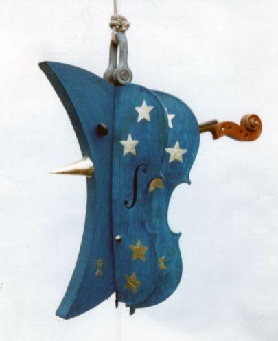 Mondgeige | 2003, Holz/Geige