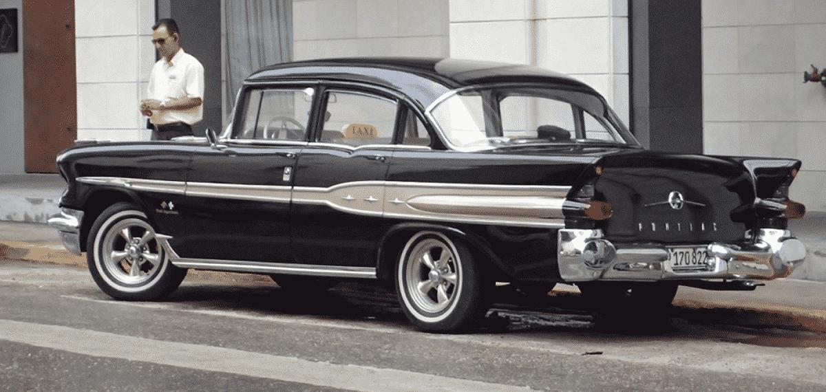 1957 Pontiac Super Chief in Havana, Cuba