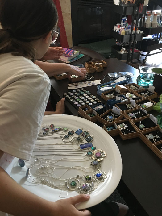 Selecting jewellery made with leftover pours