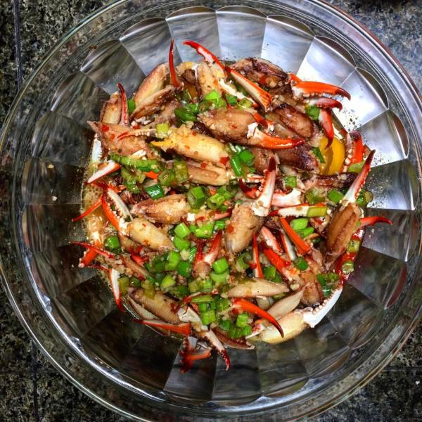 marinated crab claws in bowl
