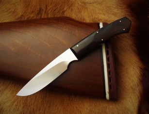 Handmade hunting knife