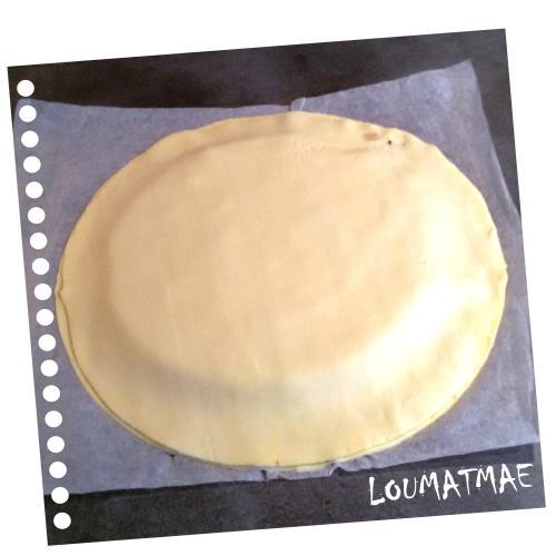 pâte feuilletée qui recouvre le tout