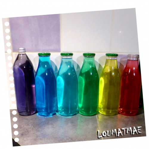eau et colorant pour un effet rainbow