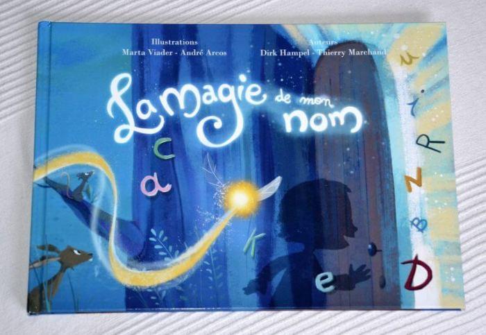 livre personnalisé et original la magie de mon nom