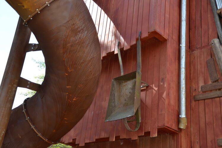 brouette metallique suspendue