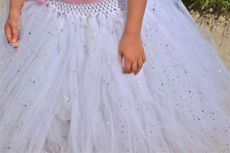 robe tutu en tulle blanc et paillettes