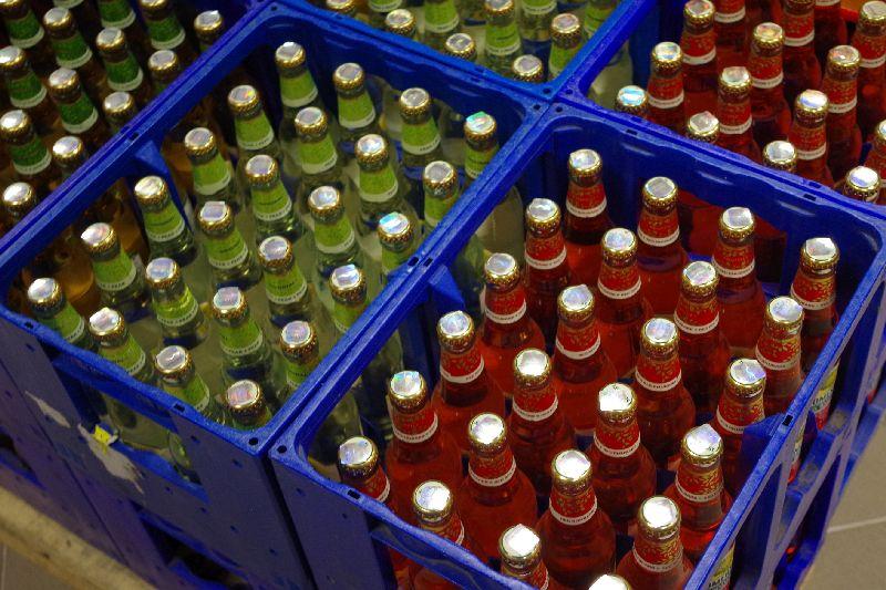 Aktsiisi langetamine suurendas Eestis hüppeliselt alkoholi müüki