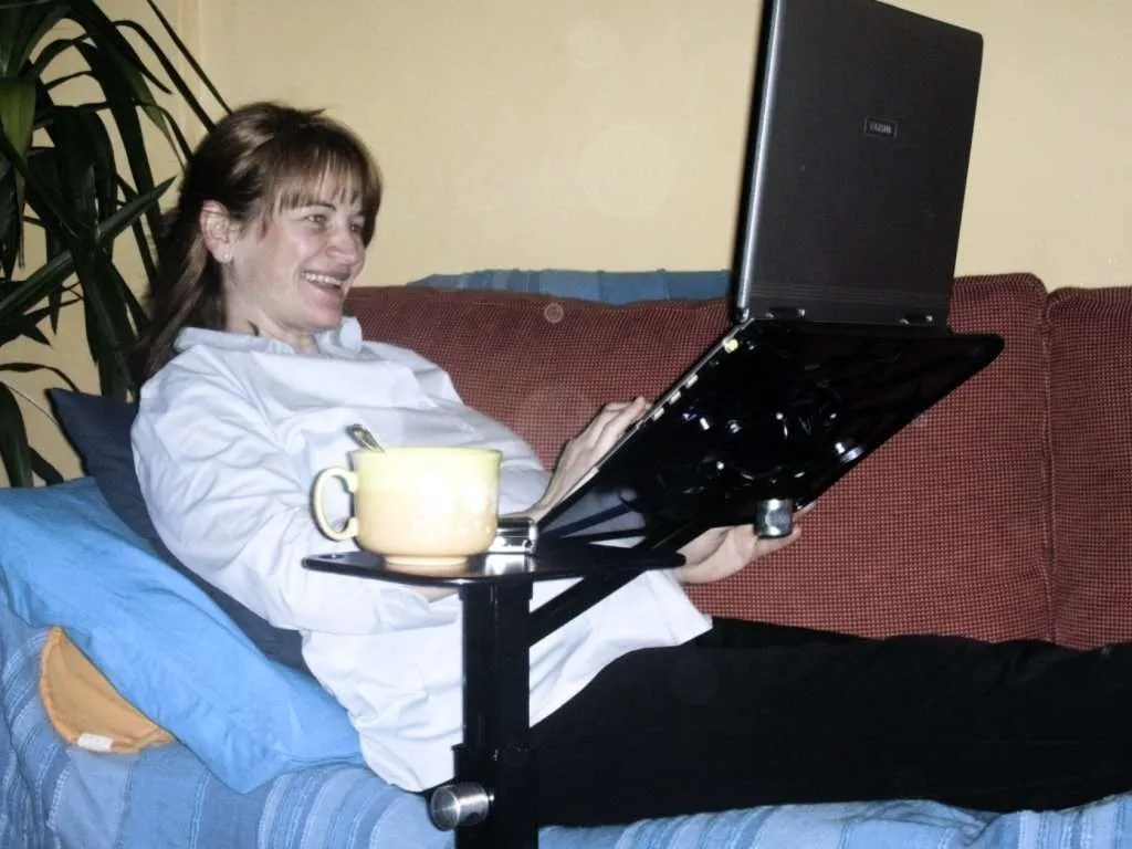 ergonomic laptop support for pregnant woman