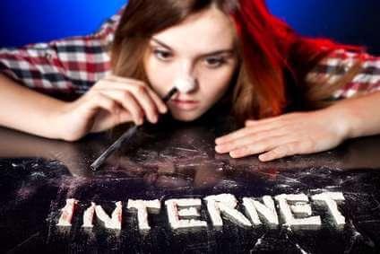 Złapani wsieć Złapani wsieć – czyzagraża Ci uzależnienie odInternetu? 1