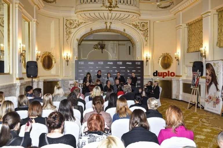 Spotkanie prasowe 10. edycji Fashion Designer Awards Agnieszka Dygant iDawid Woliński - selfie naspotkaniu 10. edycji Fashion Designer Awards! 4