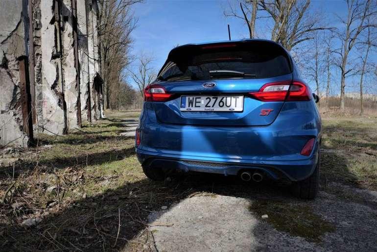 Ford Fiesta ST - kompan młodego kierowcy [test] Ford Fiesta ST - kompan młodego kierowcy [test] 2