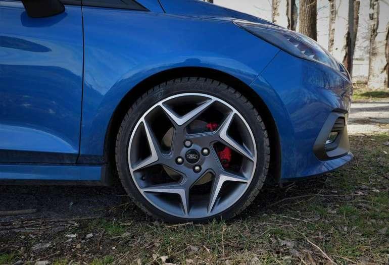 Ford Fiesta ST - kompan młodego kierowcy [test] Ford Fiesta ST - kompan młodego kierowcy [test] 4