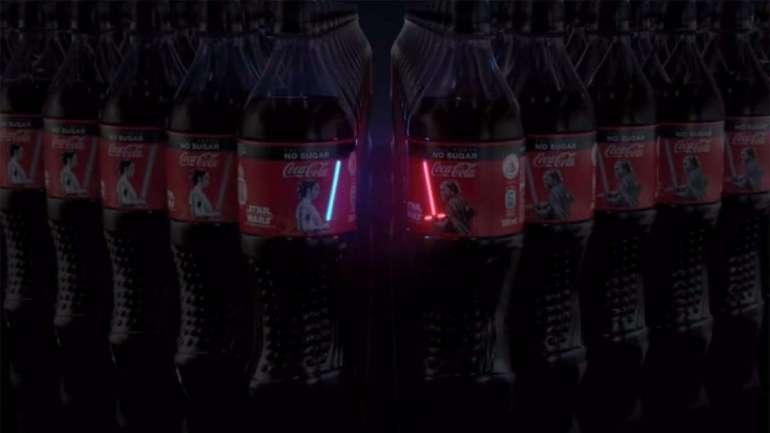 Gwiezdna Coca-Cola Gwiezdna Coca-Cola, któraświeci własnym światłem! 1