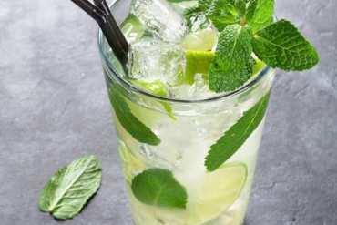 Mojito – historia słynnego drinka